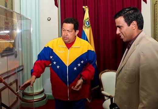 Hugo Chávez recibió la visita del seleccionador nacional César Farías.