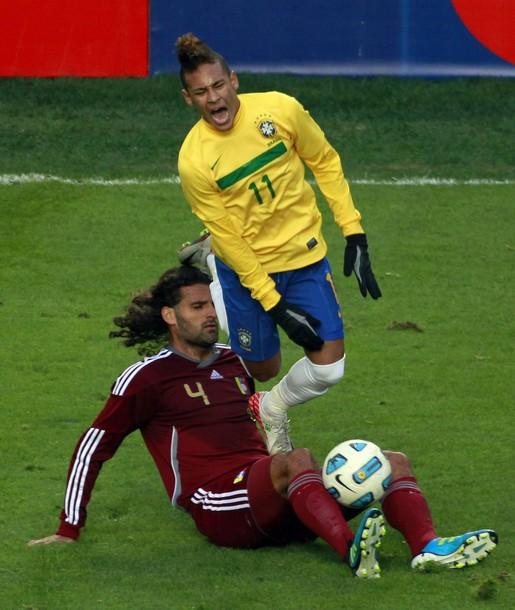 Neymar fue anulado por la defensa vinotinto.