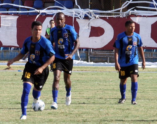 Gustavo Rojas, Eder Hernández y Roberto Bolívar marcaron por el Zulia.