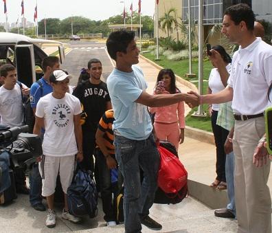 La selección fue recibida por las autoridades de la Villa Deportiva.