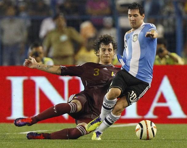 Fernando Amorebieta fue clave para detener el accionar de Messi.