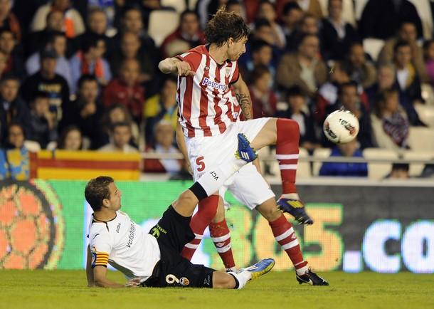 Fernando Amorebieta tuvo que ser sustituido en el partido de Liga de hoy.