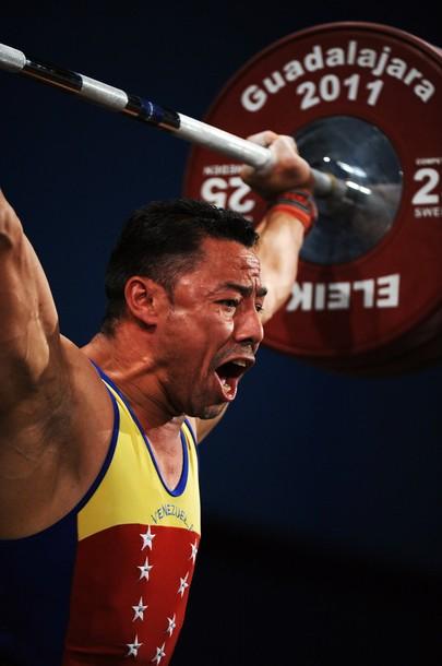 Israel Rubio se impuso con categoría en la división de los 69 kilos.