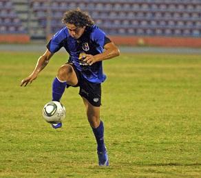 Raúl Vallona marcó un golazo en El Vigía.