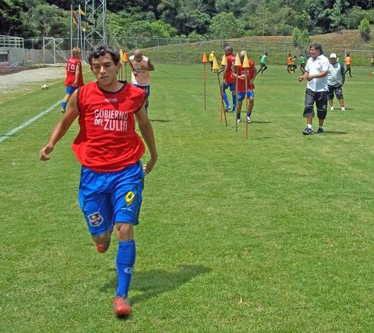 Simón Briceño, delantero de la categoría Sub 18 del Zulia FC.