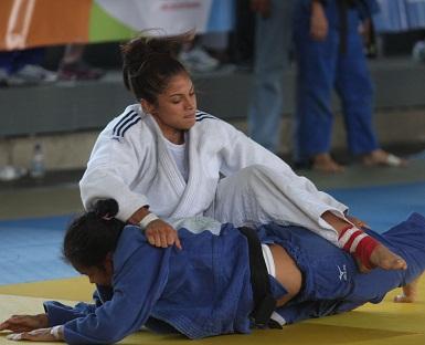 Flor Velásquez triunfó en la categoría de los 57 kilogramos.