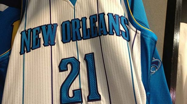 Greivis Vásquez luce su número 21 con los Hornets.