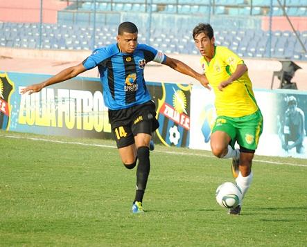 Kerwis Chirinos comandó la zaga zuliana, que lleva dos partidos sin recibir gol.
