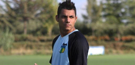 Richard Blanco debutó en Chile con gol, pero fue expulsado.