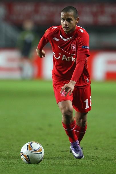 Roberto Rosales regresó a jugar como lateral derecho.