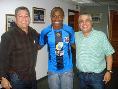 Jamerson Rentería acordó su vinculación con los dirigentes del Zulia FC.