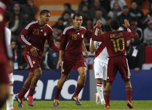 Salomón Rondón marcó dos goles ante Moldavia.