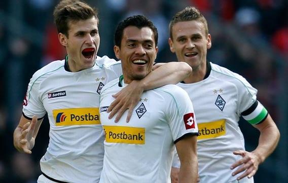 Juan Arango celebró en su partido 100 en la Bundesliga.