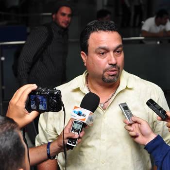 Luis Dorante, mánager de las Águilas, ha tenido varios contactos con los medios desde que llegó a Maracaibo. Foto: Prensa Águilas.