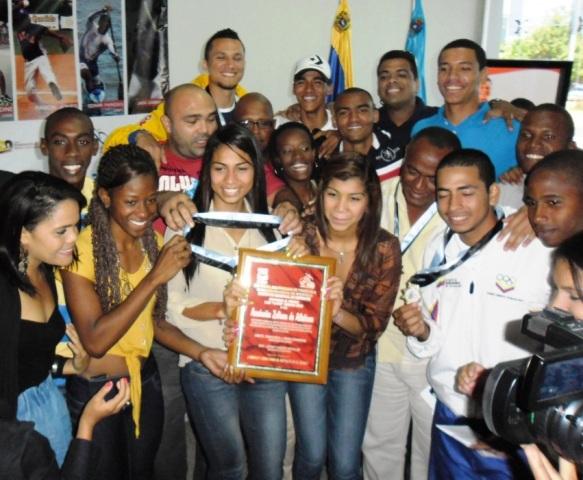 """El atletismo zuliano arrasó con el premio Luis """"Lucho"""" Moreno. Foto: Prensa Irdez."""