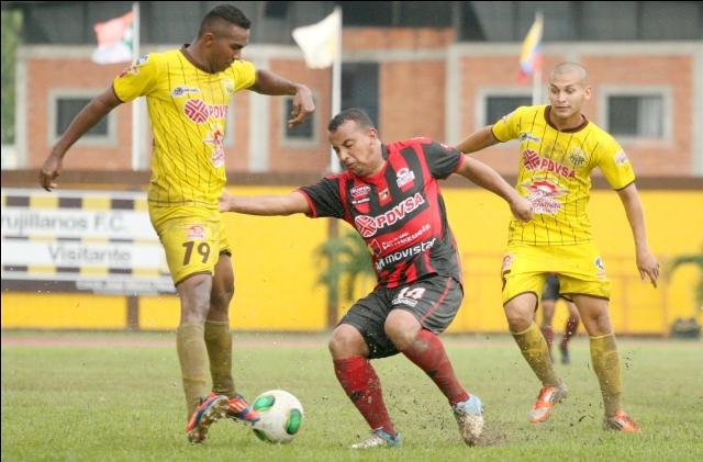 Trujillanos salvó un punto ante Lara en un partido trabado en Valera. Foto: Prensa CD Lara