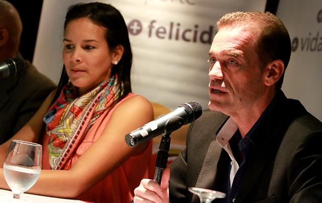 Néstor García fue presentado oficialmente junto con la ministra del deporte, Alejandra Benítez.