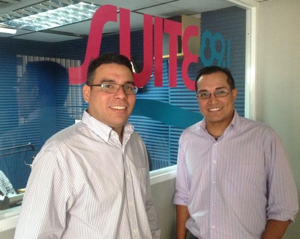 Gilberto González y Gabriel Chávez son los conductores de Sillas Numeradas.