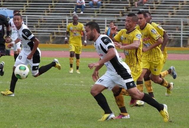 Zamoranos y trujillanos tuvieron un disputado partido en Valera. Foto: Prensa Zamora