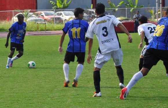 Zulia no pudo pasar del empate en Caracas. No ganó de visitante en el torneo. Foto: Prensa Zulia