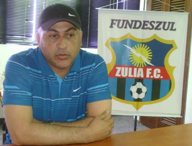 Alberto Nino Valencia apuesta por la renovación del Zulia FC.