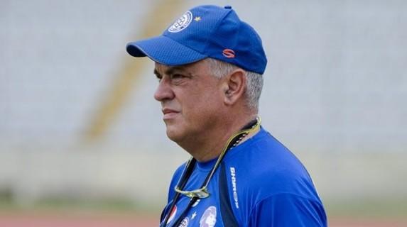 Richard Páez dirigió ayer su último juego como técnico de Mineros.
