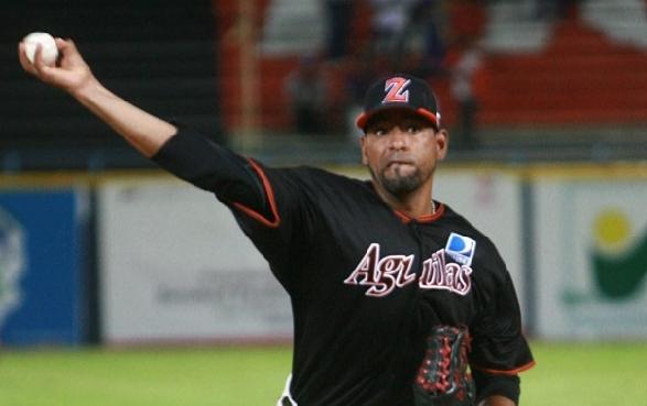 César Valdez lanzó cinco innings con éxito. Foto: AVS