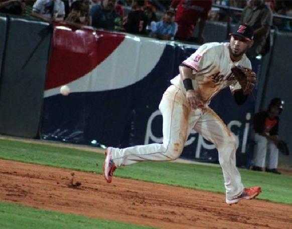 Marwin González ha lucido tanto con el bate como con el guante con Águilas.