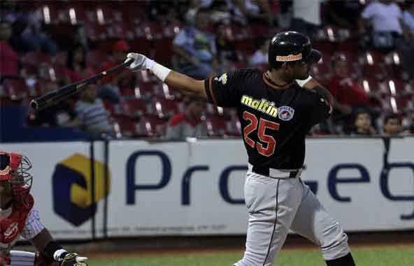 Ernesto Mejía fue oportuno ante Aragua. Foto: AVS