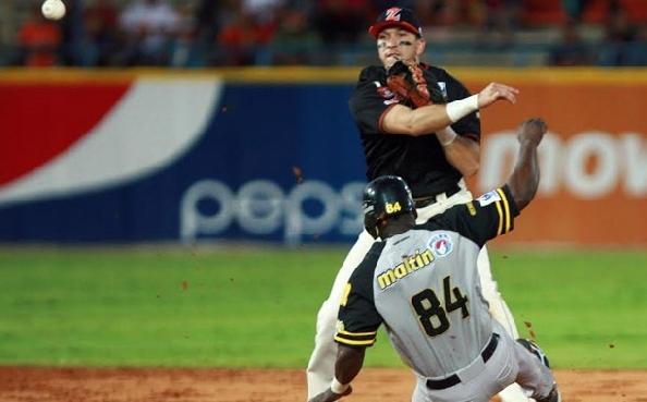 Hernán Pérez ha lucido con el guante y a la defensiva.