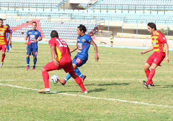 Alfredo Padilla contó con pocas ocasiones, siempre estuvo lejos del área rival. Foto:s Prensa Zulia FC