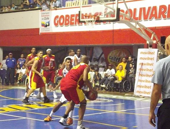 Esta temporada el rojo pasó a ser el color predominante en Gaiteros.  Foto: Prensa Gaiteros.