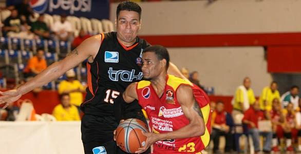 El dominicano Víctor Liz es uno de los mejores importados del torneo. Foto: La Verdad