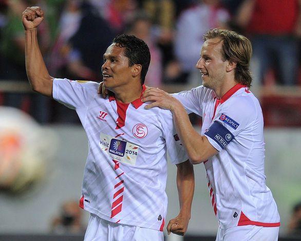 El Sevilla celebró su pase a la final.