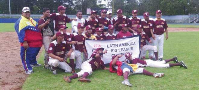 Los jovenes repitieron el título de 2013 y 2012 con un No Hitter en la final.(Cortesía PL Sierra Maestra).