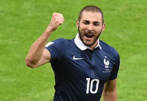 Benzema se unió a la legión de debutantes goleadores.