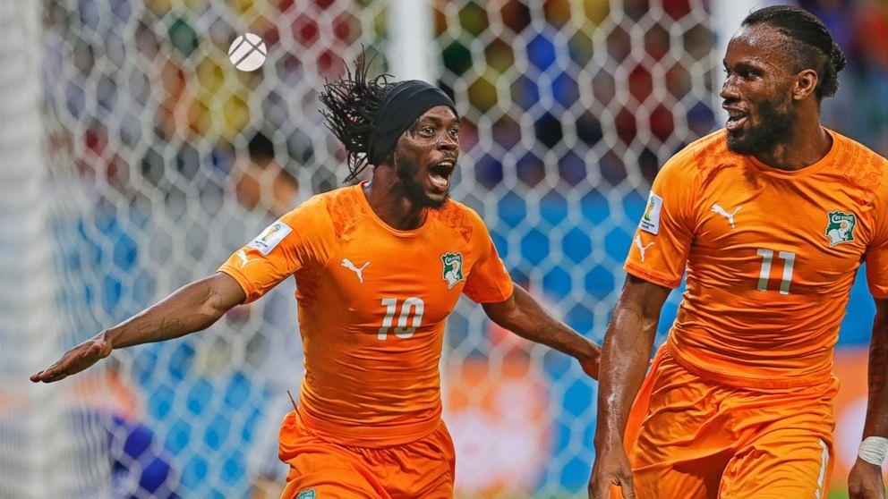 Con la entrada de Drogba su compatriotas cambiaron la forma de jugar y llegaron a ser más ofensivos.