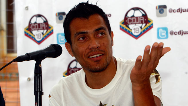 El maracayero inauguró un club deportivo con su nombre