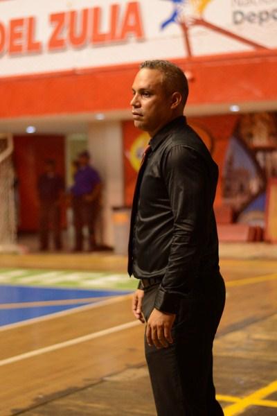 Jhonny Marin comenzó con buen pie la defensa del titulo.