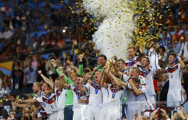 Mario Gotze permitió que los teutones fueran la tercer selección con una copa luego de 24 años, después de Italia y Brasil.