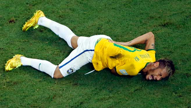 De tres a seis semanas necesitará Neymar para recuperarse.