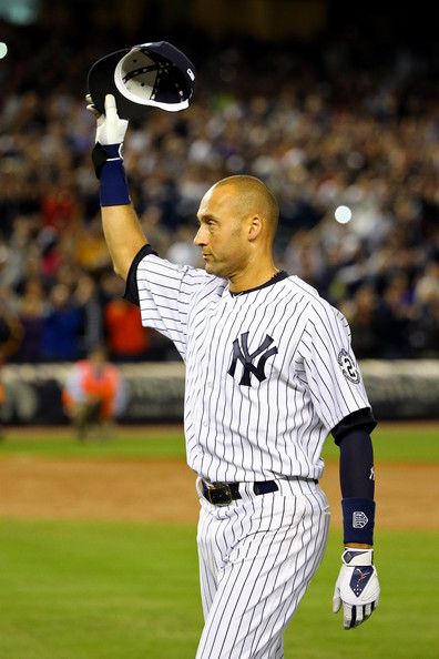 Jeter recibió el reconocimiento de todo Yankee Stadium.