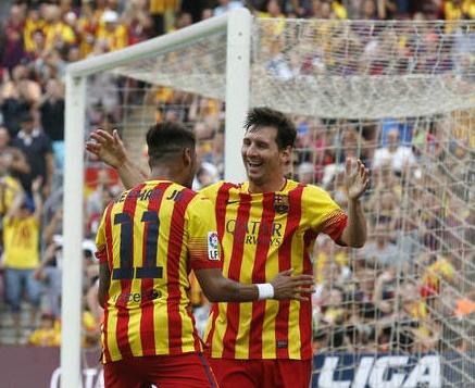 Neymar y Messi celebraron los dos goles del Barcelona.