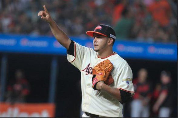 Yeiper Castillo lanzó cinco entradas en blanco.