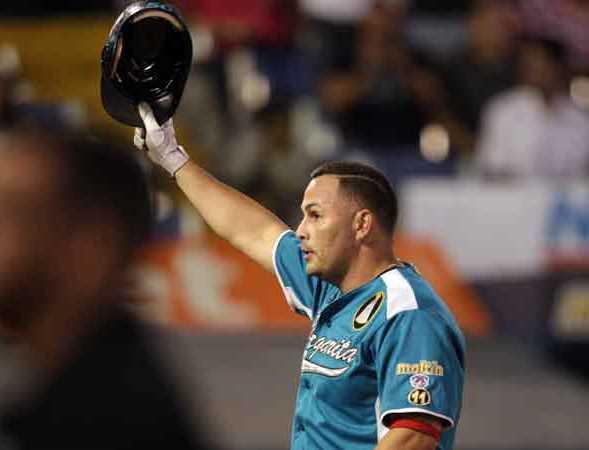 Alfonzo dejó atrás a Robert Pérez.