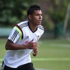 Andrés Ponce cerca de la Sampdoria