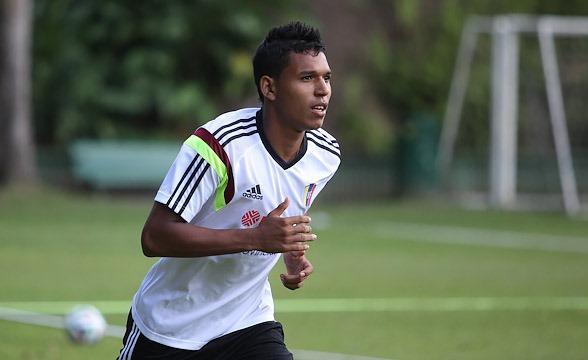 Andrés Ponce está cerca de dar el salto al fútbol europeo.